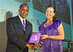 Honorary Alumni Award