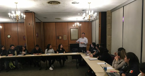 Alumni presents at a Latin American Student Organization Meeting
